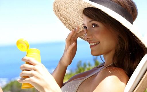 Как замедлить процесс появления морщин без косметических средств