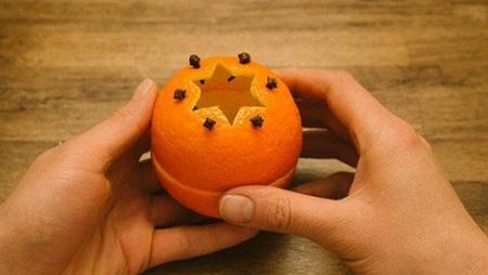 Как сделать из апельсиновой кожуры праздничную аромасвечу