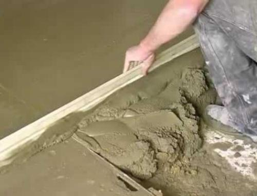 Как сделать цементную стяжку для пола?