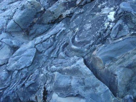 Карелия, горный парк «Рускеала», карьер где добывали камень Мраморный каньон Гирвасский разрез каньона реки Суна