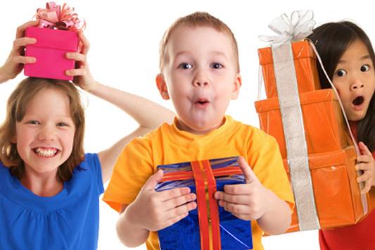 Как порадовать детей в Новый год: советы от Снегурочки