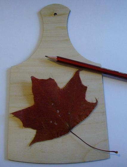 Как сделать декоративную разделочную доску с осенним мотивом