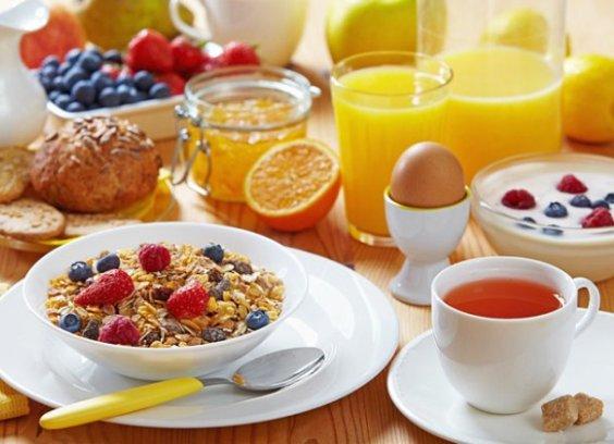 Как быстро приготовить вкусный завтрак: 15 лайфхаков для хозяек