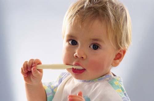 Как важно ухаживать за молочными зубами