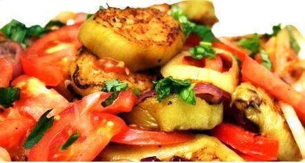 салат из обжаренных кабачков и томатов