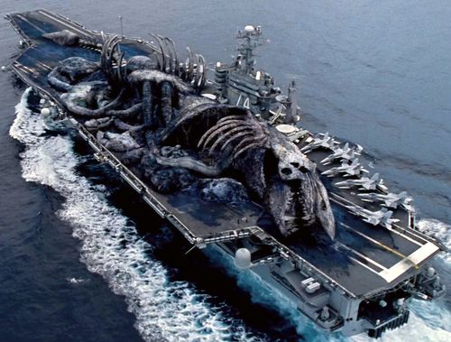 Тихоокеанский рубеж кадры из фильма огромное чудовище на эсминце авианосце корабле