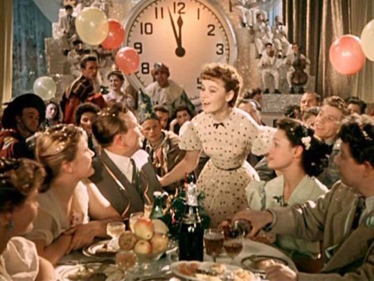 Как с помощью кино создать праздничное настроение: 10 лучших новогодних фильмов