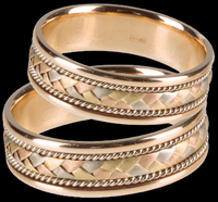 Как различаются обручальные кольца?