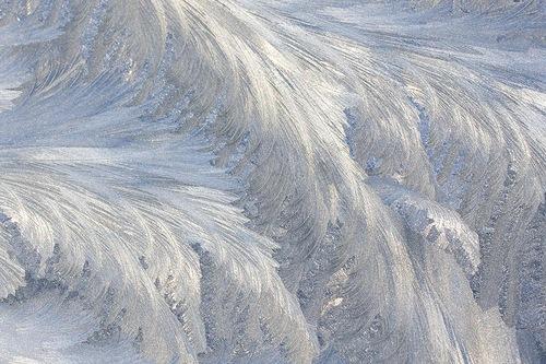 Почему зимой на стеклах узоры