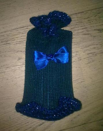 Как подготовить подарочные мешочки из свитеров, шарфов, варежек, носков