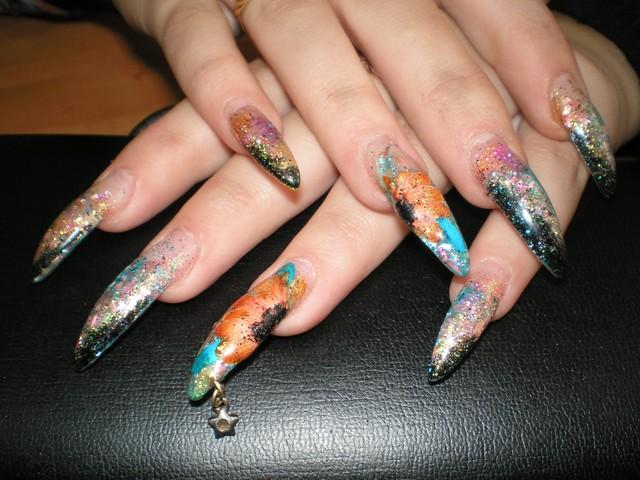 Как украсить ногти
