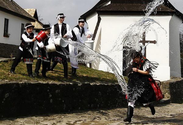 Как празднуют и какие традиции соблюдаются на Пасху в разных странах мира. Часть 1