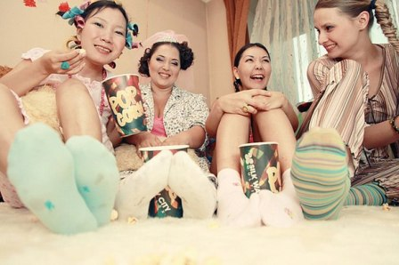 Как устроить пижамную вечеринку дома