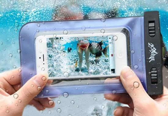 Как защитить свой смартфон на пляже
