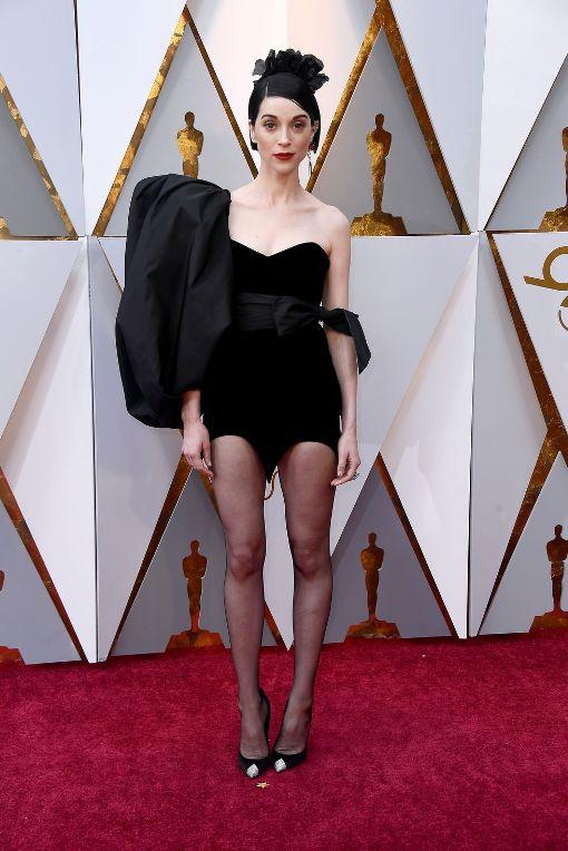 Как выглядели звезды на церемонии вручения премии «Оскар-2018»