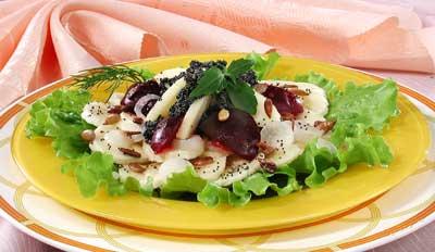Как из обычных продуктов приготовить необычные салаты