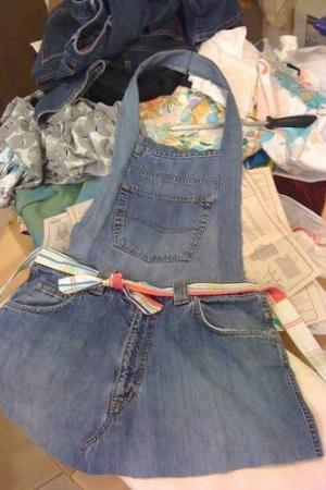 Как сделать нужные вещи из старых джинсов