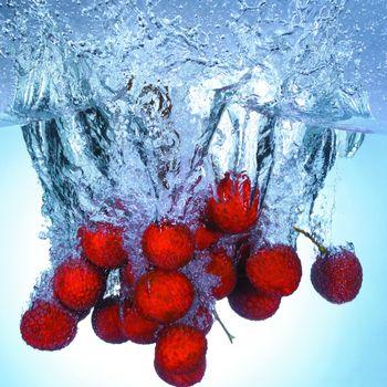 ягоды в воде