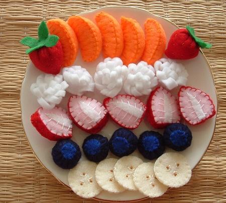 Как выглядит и как изготавливается вязаная еда