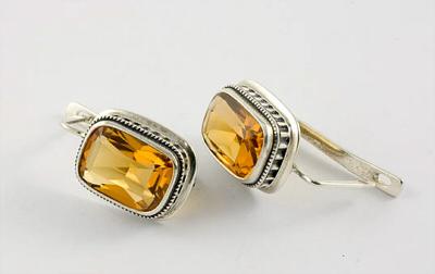 серьги с крупными желтыми камнями цитрина