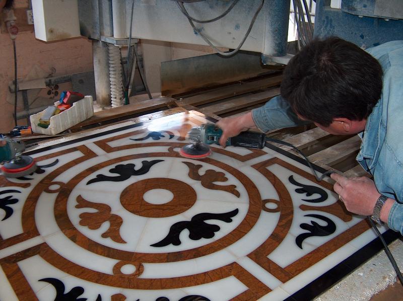 Как украсить дом мозаикой из мрамора