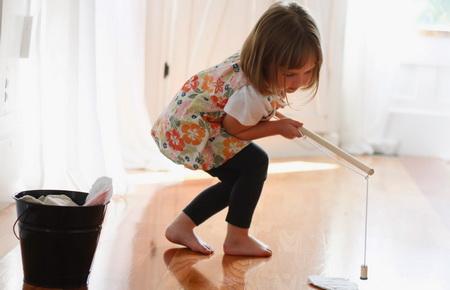 Как сделать детскую игру: удочку с рыбками-магнитами?