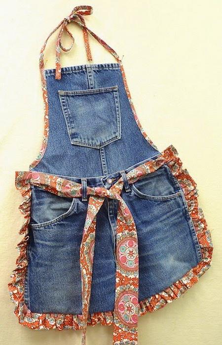 Как сшить фартук из старых джинсов?