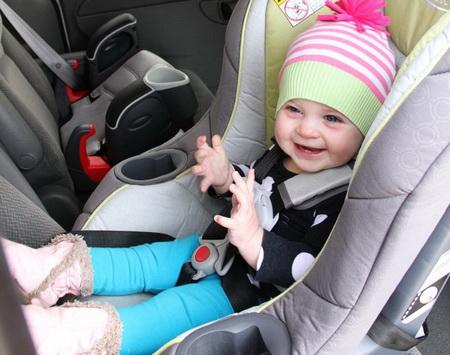 Как сшить детскую шапку из свитера