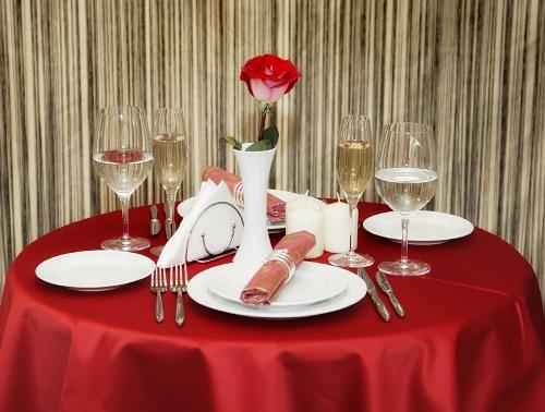 Как правильно сервировать стол для своей семьи