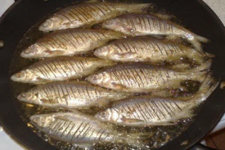 Как пожарить рыбу без муки, сухарей и яиц