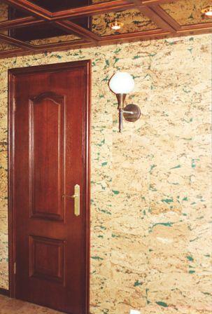 Как осуществить монтаж настенного пробкового покрытия в квартире?