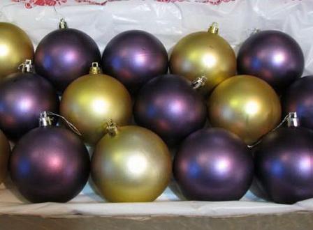 Как декорировать елочные шары в технике декупаж?