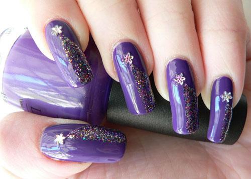 рисунки на ногтях с блестками и цветочком  маникюр в домашних условиях