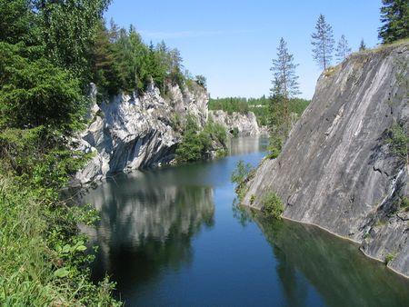 Карелия скалы река