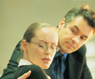 Как заставить шефа соблюдать субординацию?