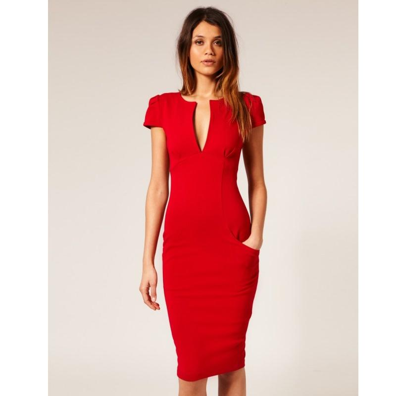 Худые ноги и красное платье