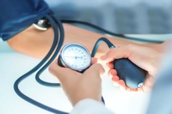 Как лечить пониженное артериальное давление (гипотензию)