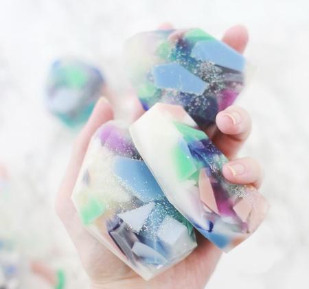 Как сварить разноцветное мыло в необычной технике?