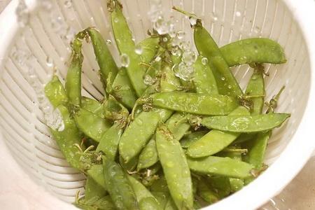 Как правильно заморозить зеленый горошек?