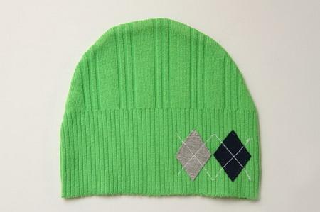 Как сшить детскую шапку из свитера?