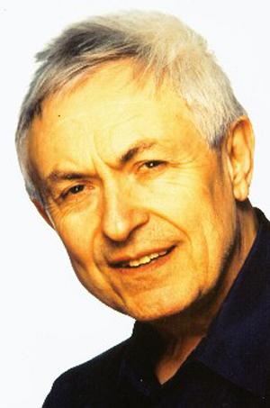 В 1975 году французский акушер по имени Фредерик Лебойе (Frederick Leboyer) опубликовал книгу под названием «Рождение без насилия»