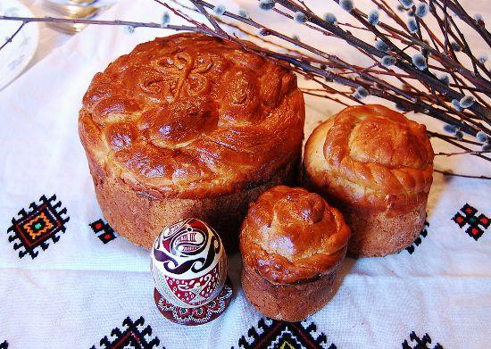Как пекут пасхальный хлеб в разных странах