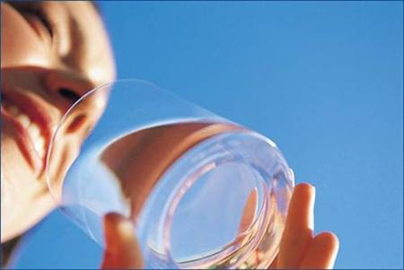 Пейте столовую воду каждые 90 минут