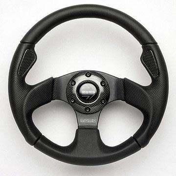 Как выбрать универсальный спортивный руль для авто?