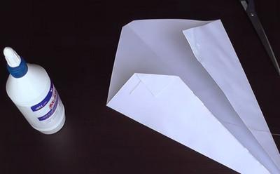 Как сделать воздушный змей из бумаги-9