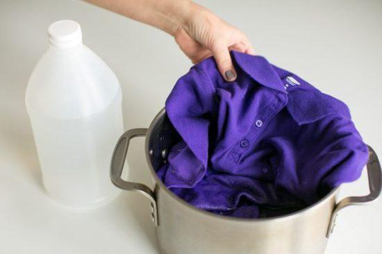 Как использовать уксус для стирки белья