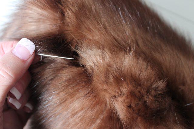 Как легко сшить шапку из меха своими руками?