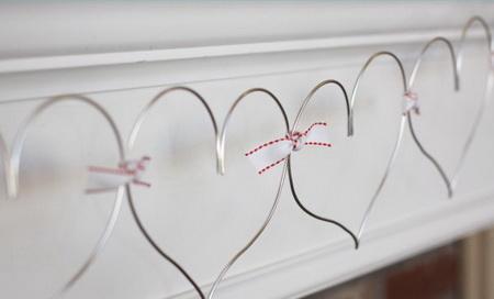 Как сделать простую гирлянду с сердечками на 14 февраля?