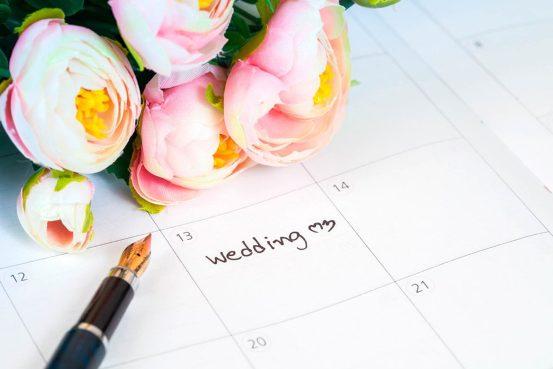 Как народные приметы помогают молодоженам: свадебные традиции со всего мира