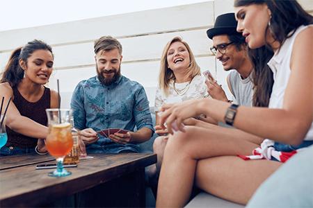 Как принимать гостей: 5 правил этикета